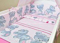 Защита бампер в детскую кроватку  из двух частей Мишка с подушкой розовый