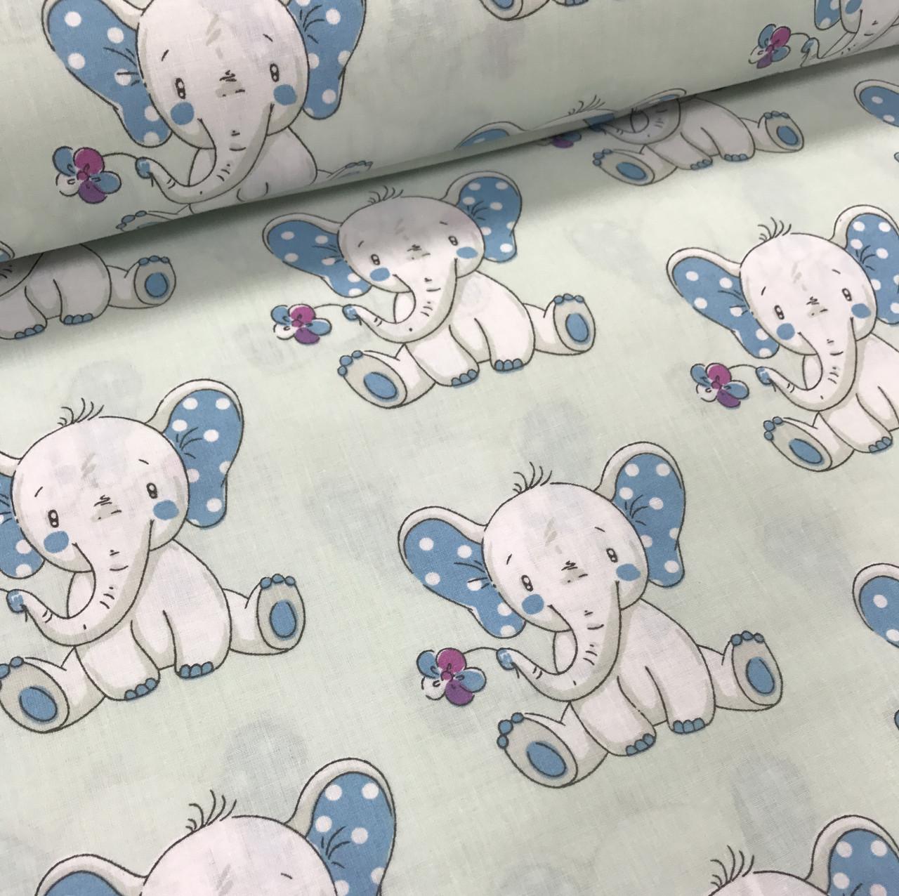 Хлопковая ткань польская слоники с голубыми ушками №210
