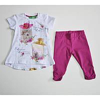 Комплект футболка+капри, модель украшена стразами и ярким фотопринтом 2000-061