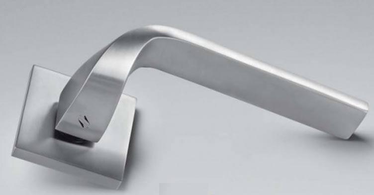Дверна ручка COLOMBO ISY BL 11 матовий хром