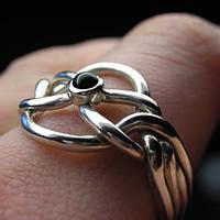Серебряное кольцо с черным ониксом от Wickerring