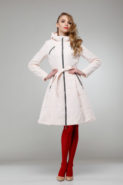 Оригинальное демисезонное пальто с расклешенной юбкой