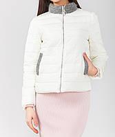 Модная куртка в белом цвете