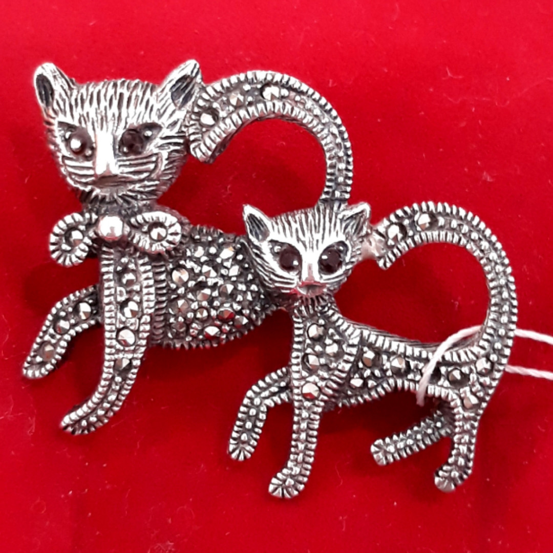 Серебряная брошь с марказитами Коты Кошки - Брошь Кошки капельное серебро