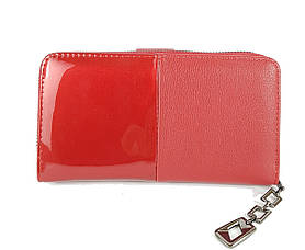 Червоний жіночий гаманець