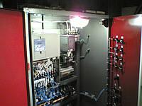 Шкаф управления грузовым лифтом с инвертором Hitachi.