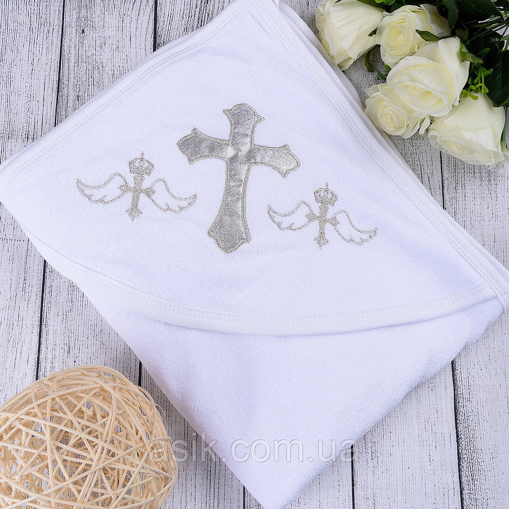 Крыжма для крещения белого цвета.