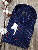 Приталенная рубашка с орнаментом красно-белые флажки 100% хлопок