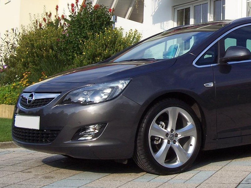 Губа Opel Astra J тюнинг юбка переднего бампера стиль OPC