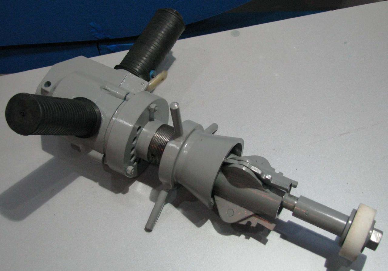 Приспособление с пневмоприводом ГМ-046 для шлифовки седел вентилей Ду-50