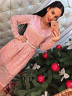 Стильное кружевное платье с расклешенной юбкой