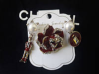 Брошь класическая , набор известного бренда, покрыта эмалью