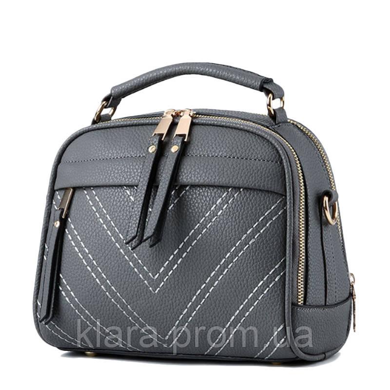9f03199acf78 Молодежная женская сумочка темно-серого цвета с помпонами -  Интернет-магазин
