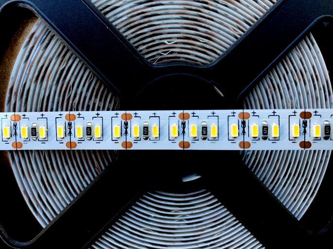 Светодиодная лента Premium SMD 3014/204 12V 3000К IP20 (1м) Код.58848
