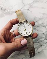 Новинка женские часы