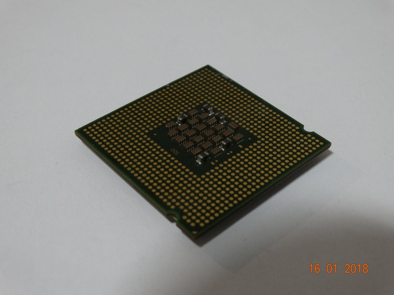 Процессор Intel® Celeron® D 326 тактовая частота 2,53 ГГц, 256 КБ кэш-памяти, частота системной шины 533 МГц
