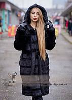 Женская шуба с поперечным расшивом из натурального меха нутрии