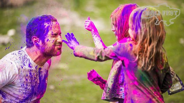 Безпечні фарби Холі для дитячих свят .