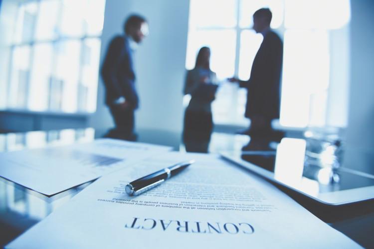 Оцінка права вимоги за договором (контрактом)