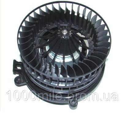 Моторчик печки на Mercedes Benz W202   6/93- (без кондиционера)  / VAL698240 - Autotechteile Германия - ATT832