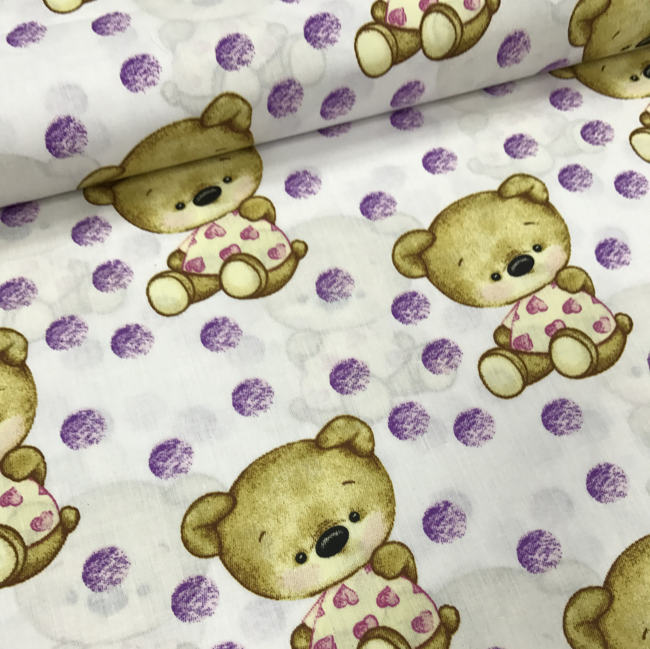 Хлопковая ткань польская бежевые мишки и фиолетовый горох №191