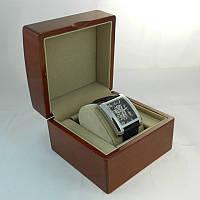 Деревянная коробка для дорогих часов