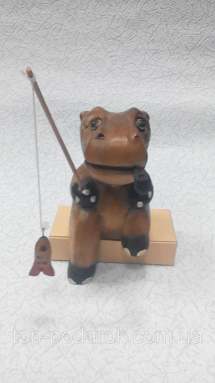 Статуэтка Бегемот  рыбак деревянная размер 20*12*10