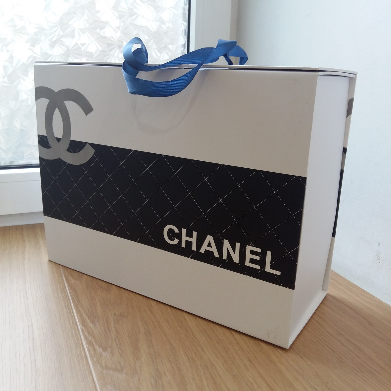 Подарочная коробка maxi