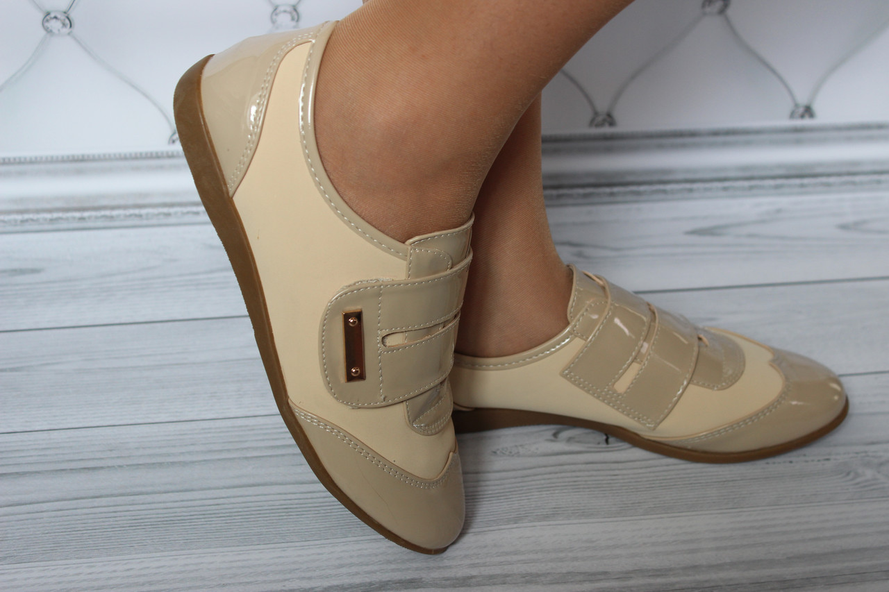Женские лаковые туфли на липучке размер 37