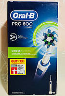 Электрическая аккумуляторная зубная щетка Oral-B PRO 600