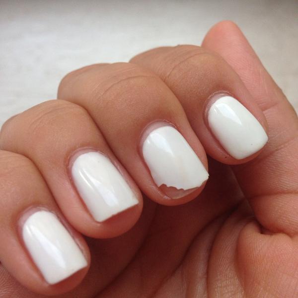 Почему облазит и скалывается гель-лак для ногтей?