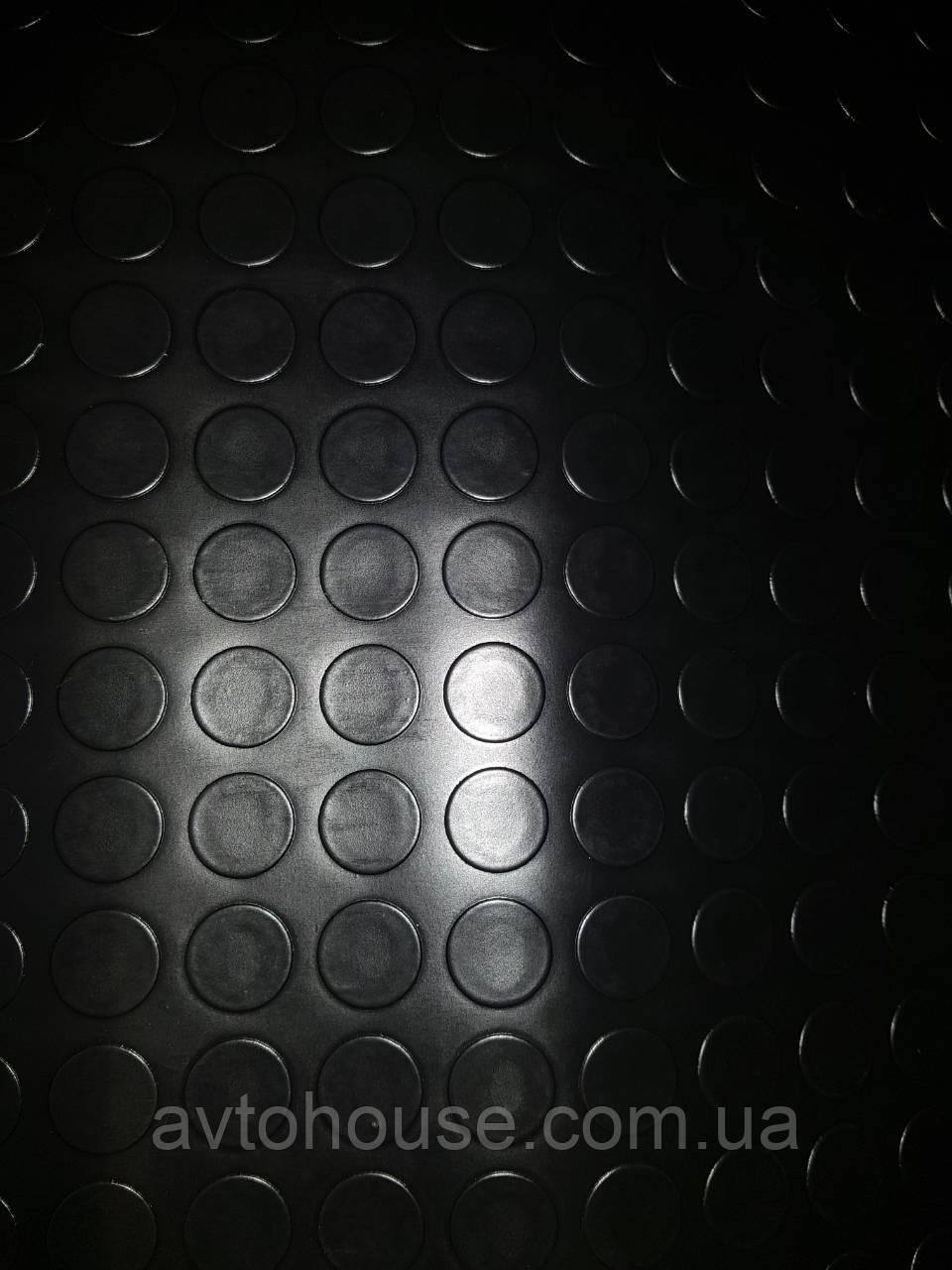 Линолеум автомобильный круг черный.