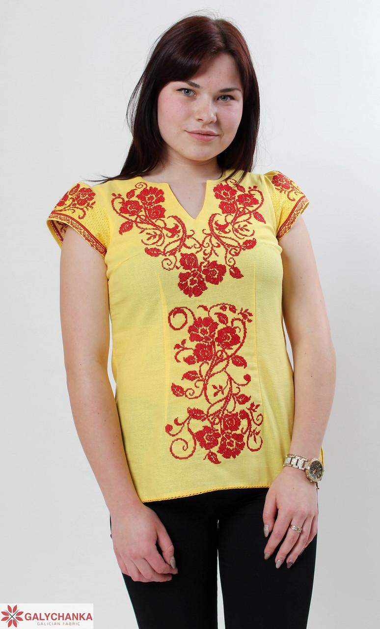Яркая желтая блуза в украинском стиле с вышивкой
