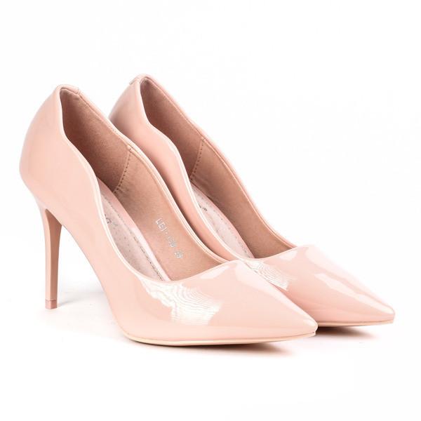 Польские лаковые женские туфли-лодочки на каблуке бежевого цвета