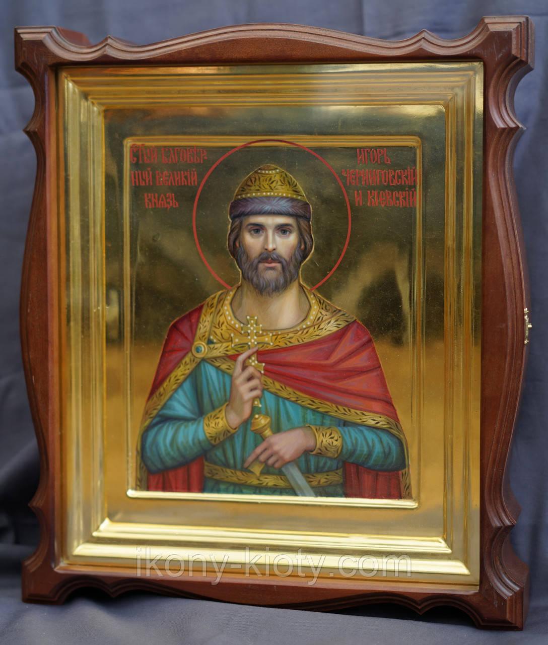 Киот для иконы Святого Игоря Черниговского, фигурный, открывающийся, с золочёной внутренней рамкой.