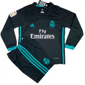 ... фанат одной из самых титулованных команд мира, предлагаем вам сделать  для него незабываемый подарок –нанести имя и номер на его новую футбольную  форму. 598fb0c0fe6