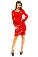 Женское платье с узором из страз