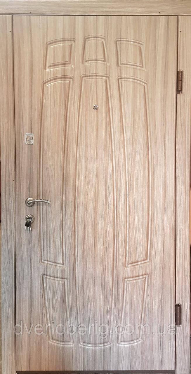 Входная дверь модель П3-256 лиственица светлая