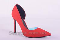 Красные туфли на шпильке с вставкой из силикона