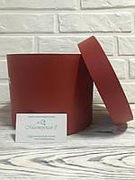 Подарочная круглая коробка h15/d19 c люверсами по бокам для лент, цвет красный с перламутром