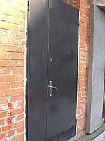 Дверь металлическая двухстворчатая неутепленная