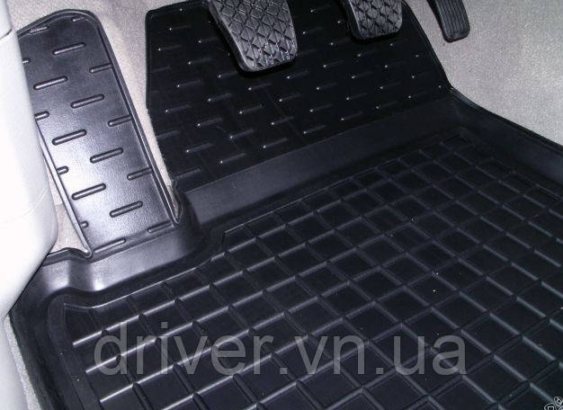 Килимки салона гумові Ford Transit Courier 1+1