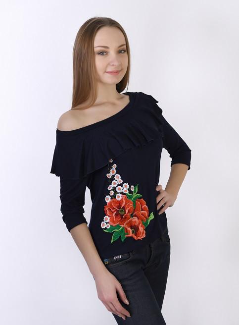 Обаятельная футболка с вышитым цветком и воланами