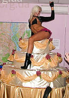 Стриптиз из шоу торта, женский и мужской стриптиз из Шоу торт. Муляжный торт