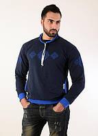 be3f05518fa Спортивный мужской свитшот украшен геометрической вышивкой