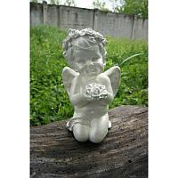 Статуэтка ангел Юля сидит с цветами (белый)