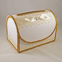 Сундук для денег в бело-золотом цвете