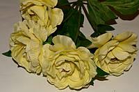 Букет Камелий лимонный