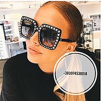 Солнцезащитные очки квадратные Gucci черные в стразах, фото 1