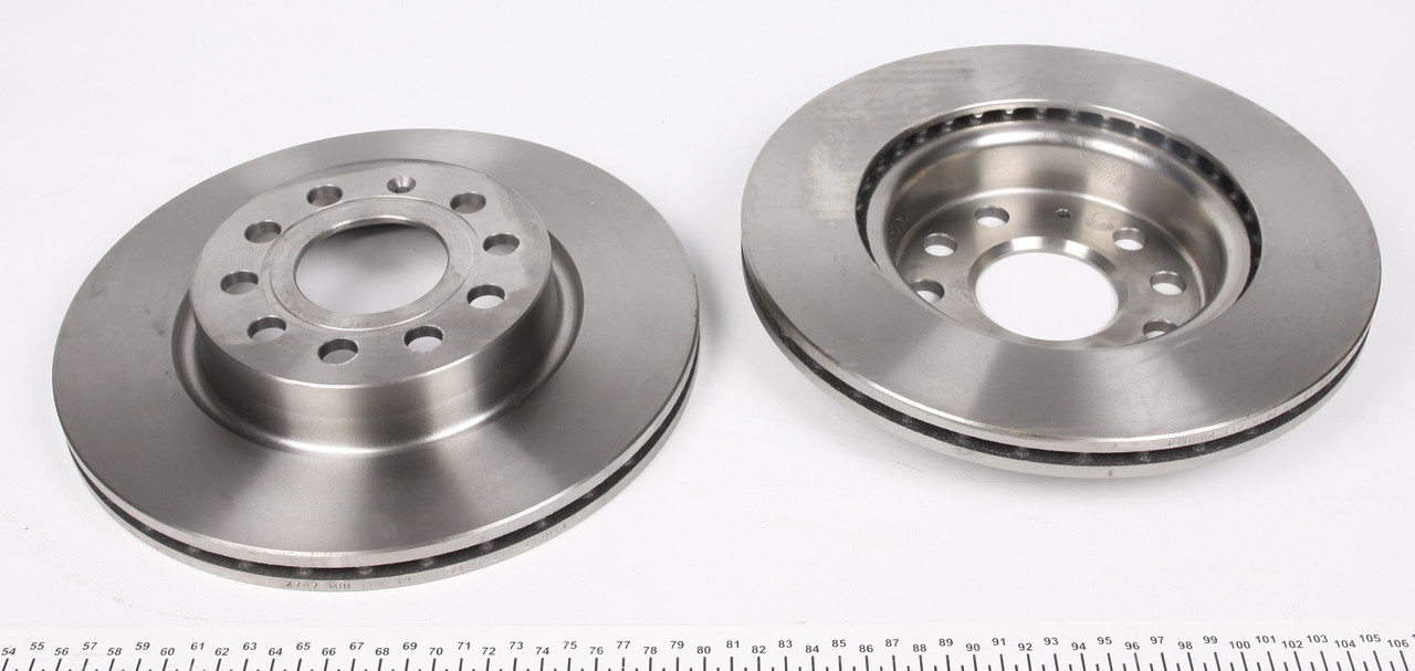 Тормозной диск Фольксаген кадди /Caddy/ Octavia 2004- Тормозной диск MAXGEAR 19-0820  передний вентилируемый